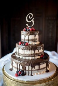 drip-wedding-cake-marie-tony-photography